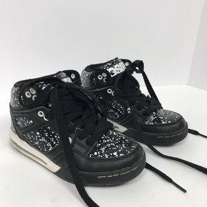 Osiris skate shoes paint splatter white and black